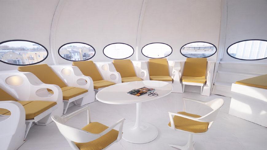 Futuro_house_interior